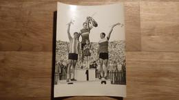 Cyclisme - Photo Course De La Paix 1966 - 8e Etape, Circuit De Varsovie - Smolik (2e),  Desvages (1er), Bobekaw (3e) - Unclassified