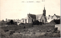 56 LA TRINITE SUR MER - Vue Sur L'église. - Other Municipalities