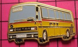 113a Pin's Pins / Beau Et Rare / THEME : TRANSPORTS / AUTOBUS SETRA PTT JAUNE ET ROUGE - Transportation