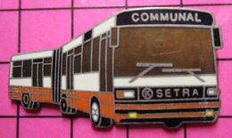113a Pin's Pins / Beau Et Rare / THEME : TRANSPORTS / AUTOBUS URBAIN ARTICULE SETRA BLANC ET ORANGE COMMUNAL - Transportation
