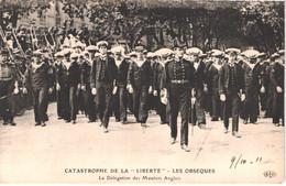 FR83 TOULON - CATSTROPHE - Cuirrassé Liberté - 25 Septembre 1911 - Les Obsèques - Délégation Des Matelots Anglais - Anim - Toulon