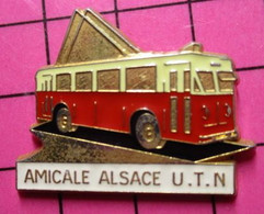 113a Pin's Pins / Beau Et Rare / THEME : TRANSPORTS / AUTOBUS ELECTRIQUE URBAIN AMICALE ALSACE U.T.N - Transport