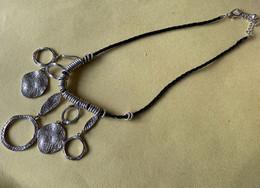 Sierjuwelen, Zwart Touw Met Zilveren Hangertjes - Collane/Catenine