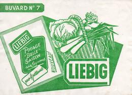 Buvard N°7 LIEBIG Potage Belle Saison Légumes (carottes,poireaux,chou) Dans Un Panier  SUPERBE - Bank & Insurance