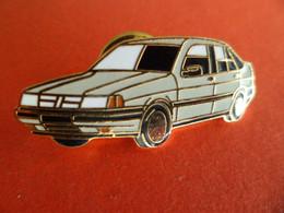 Pins Pin's - émail : EGF - FIAT TEMPRA - Fiat