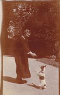 Photo De Particulier Un Chien Fox Terrier Pilou Faisant Le Beau Devant Sa Maitresse Réf 3877 - Non Classificati