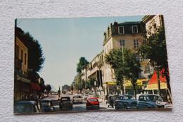 Cpsm, Vichy, Avenue Aristide Briand Vers Le Pont De Bellerive, Allier 03 - Vichy