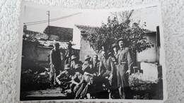 Foto Gruppenfoto Afrikakorps Soldaten Pause Uniform 2 WK Militär Wehrmacht Soldat - 1939-45