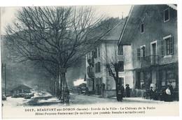 CPA BEAUFORT Sur DORON    Entrée De La Ville, Hotel Pension Restaurant, Le Chateau De La Roche N° 2017 - Beaufort