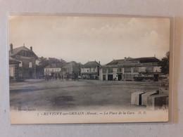 CPA - 55 - REVIGNY SUR ORNAIN - La Place De La Gare - Revigny Sur Ornain