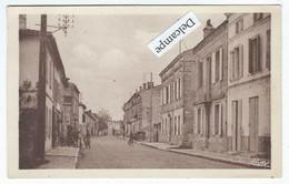 SAINT-MEDARD-de-GUIZIERES (33) - Rue De La République - Other Municipalities