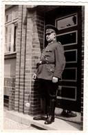 Photo Originale Guerre 1939/45 Soldat Allemand De La Première Heure Aux Bottes Impeccable, Fier Sur Le Perron Vers 1930 - Krieg, Militär