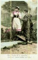 Carte Fantaisie D'un Chasseur Et Une Belle Jeune Femme Sur Une Passerelle Trop Petite - Hunting