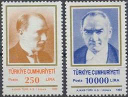 1992 TURKEY ATATURK PORTRAIT MNH ** - Ongebruikt