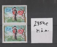 """FRANCE / 1985 / Y&T N° 2354c ** : """"Les Amoureux"""" (Peynet) - Variété 3ème Oiseau (près Du N De """"française"""") Tenant à Norm - Varietà: 1980-89 Nuovi"""
