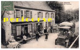 15  Les Ternes  Arrivée De L'Autobus  Au Restaurant Café De La Poste - Otros Municipios