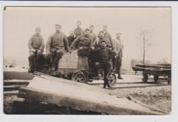 - 55 – CHEVILLON SOMMEVILLE – Voie Ferrée - Carte Photo Militaire (8/11/1916) D'un Groupe De Soldats Sur Un Wagonnet. - Altri Comuni