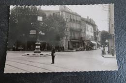 CPSM - AUBAGNE (13) - Place Pasteur - Aubagne