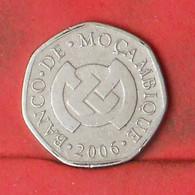MOZAMBIQUE 1 METICAL 2006 -    KM# 137 - (Nº41851) - Mozambique