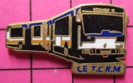 113B Pin's Pins / Beau Et Rare / THEME : TRANSPORTS / AUTOBUS URBAIN ARTICULé RENAULT CE TCRM Par ARTHUS BERTRAND - Trasporti