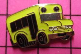 113B Pin's Pins / Beau Et Rare / THEME : TRANSPORTS / BUS SCOLAIRE USA JAUNE - Trasporti