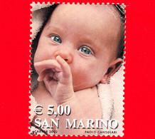 SAN MARINO - Usato -  2002 - I Colori Della Vita - Volto Di Una Neonata (rosa) - 5.00 - Used Stamps
