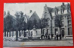 MOERBEKE-WAAS  -  Lindekens Hofplein - Moerbeke-Waas