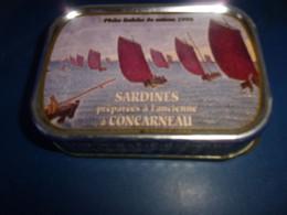 TRES VIEILLE BOITE DE SARDINE PECHE SAISON 1998 PREPAREE A CONCARNEAU  VIDE - Other