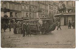 PARIS - 1er Mai 1906 - A La Suite D'un Commencement D'émeute, Un Omnibus Est Renversé Rue Fontaine Au Roi - Arrondissement: 11
