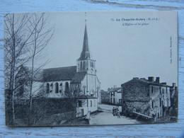 CPA (49) Maine Et Loire - LA CHAPELLE AUBRY - L'église Et La Place - Otros Municipios