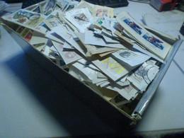 DESTOCKAGE- GROS VRAC DE TIMBRES SUR FRAGMENTS DES CENTAINES DE TIMBRES A TRIER  DONT PAS MAL D EUROPE EN BON ETAT - Lots & Kiloware (mixtures) - Min. 1000 Stamps