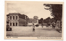 46 - CAHORS - Place Aristide-BRIAND Et Boulevard Gambetta - Animée + Tacots (R188) - Cahors