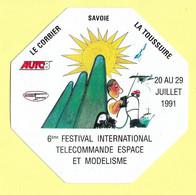 AUTOCOLLANT 6ème FESTIVAL INTERNATIONAL TELECOMMANDE ESPACE ET MODELISME LE CORBIER LA TOUSSUIRE 1991 - MODÈLE RÉDUIT - Stickers