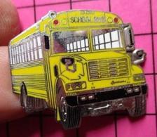 113b Pin's Pins / Beau Et Rare / THEME : TRANSPORTS / CAR SCOLAIRE USA SCHOOL BUS Très Grand Pin's Double Attache - Trasporti