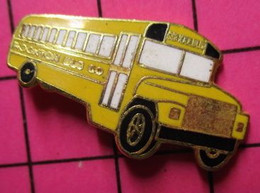 113b Pin's Pins / Beau Et Rare / THEME : TRANSPORTS / CAR SCOLAIRE USA SCHOOL BUS ECOLIERS Peut Etre Canada ? - Trasporti