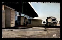 ALGERIE - BONE - L'AEROPORT - AUTOCAR CHAUSSON IMMATRICULE 87 AS 93 - Annaba (Bône)