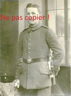 PHOTO ALLEMANDE - SOLDAT A SAINT AVOLD PRES DE FORBACH MOSELLE - LORRAINE 1916 - GUERRE 1914 - 1918 - 1914-18