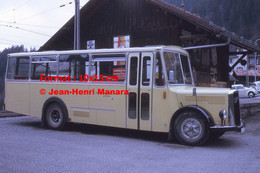 ReproductionPhotographie D'une Vue De Profil D'un Bus PTT Saurer Garé à Le Sepey En Suisse En 1972 - Reproductions