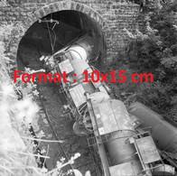 Reproduction Photographie Ancienne D'unaccident De Train Dans Le Tunnel De Loetschbergen Suisse En 1959 - Reproductions