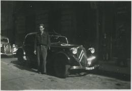Automobile. Citroën Traction. Tirage Argentique Circa 1950. - Automobili
