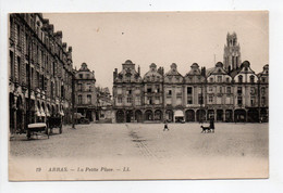 - CPA ARRAS (62) - La Petite Place - Editions Lévy N° 19 - - Arras