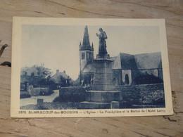SAINT MARCOUF DES GOUGINS : Le Presbytère Et La Statue De L'abbé Leroy ............. 201101d-3805 - Otros Municipios