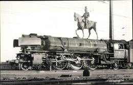 Photo CPA Köln Deutz, Opfer Des Strukturwandels, Dampflokomotive, Reiterstandbild, April 1962 - Treinen