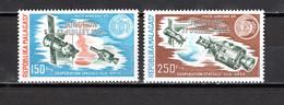 MADAGASCAR PA  N° 153 + 154   SURCHARGE ARGENT   NEUFS SANS CHARNIERE COTE ? €   ESPACE - Madagascar (1960-...)