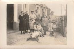 CARTE PHOTO -  Famille Ayant Tué Le Cochon - Commune De L'Oise Hanvoile 60 - Photographs