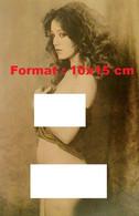 Reproduction Photographie Ancienne D'une Jeune Femme Frisée Nue Avec Un Léger Haut - Reproductions