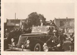 LOT DE 6 PHOTOS En 1948 - VINCENT AURIOL  Dans RENAULT SUPRASTELLA - Documentos Históricos