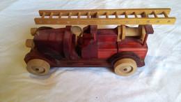CAMION DE POMPIER ANCIEN BOIS - Toy Memorabilia
