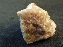 Carminite In Matrix  ( 1 X 1 X 0.5 Cm ) - Katzenstein -  Raidelbach - Germany - Minerali