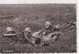Maschinengewehr - Schiessen Mit Gasmaske - Militärstempel           (P-319-01110) - Materiale